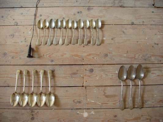Spoon installation