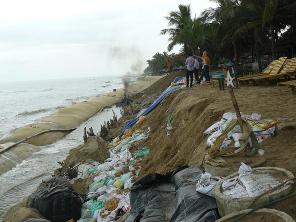 18.Dec: Thomas Weingärtner, Cua Dai Beach, 6km from Hoian, Vietnam -